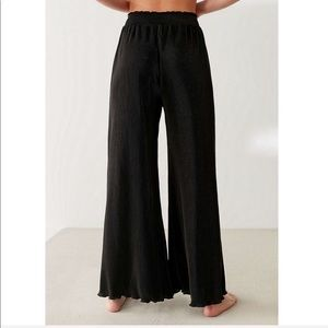 Urban outfitters pretty bird plisse pleated pant s